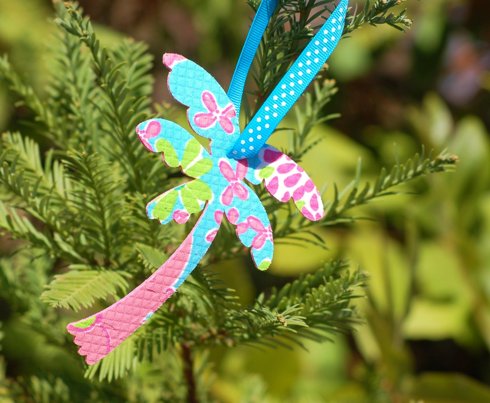 Southern Living: Preppy Style: All I Want for Christmas is a Lilly Tree!