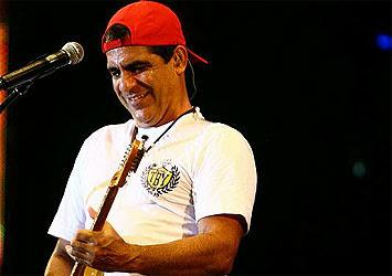 fe448e771e Durval Lélis e sua inseparável guitarra. Thiago Teixeira   Agência A TARDE
