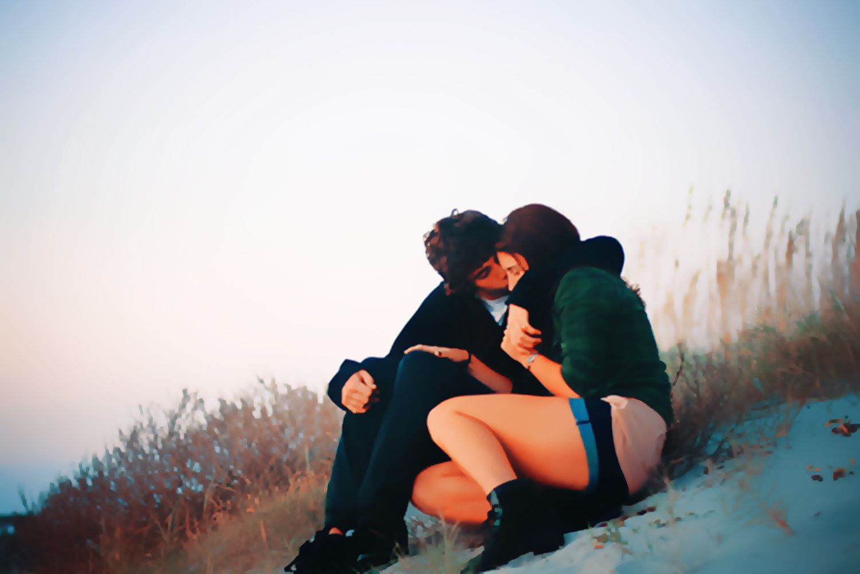 Девушка под каре с парнем фото