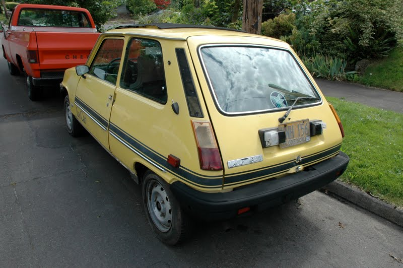 Old Parked Cars 1978 Renault Le Car