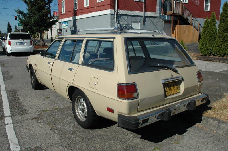 OLD PARKED CARS.: 1978 Dodge Colt Wagon.