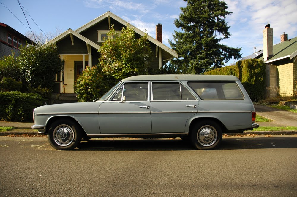 1972 Mercedes-Benz 220D Estate