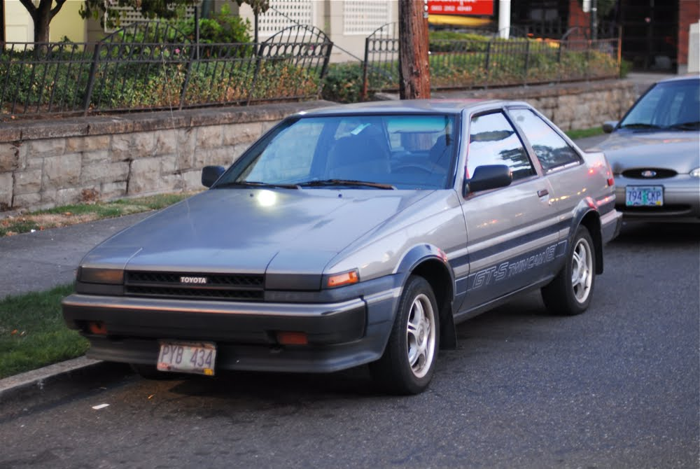 Old parked cars 1985 toyota corolla gt s