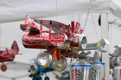 Produk unik dari bahan bekas kaleng coca cola banyak yang unik