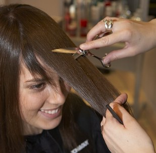 Beauty For Women Cutting Hair At Home