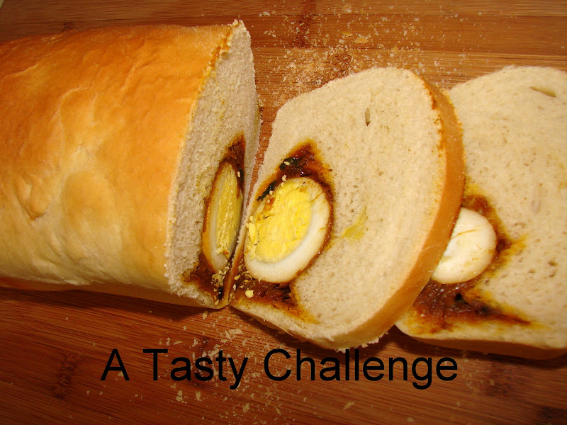 Egg Masala Stuffed Bread