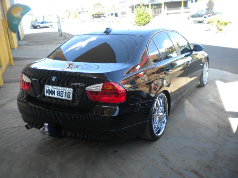 Autonews - NOTICIAS - BMW M3 ganha edicao em preto fosco