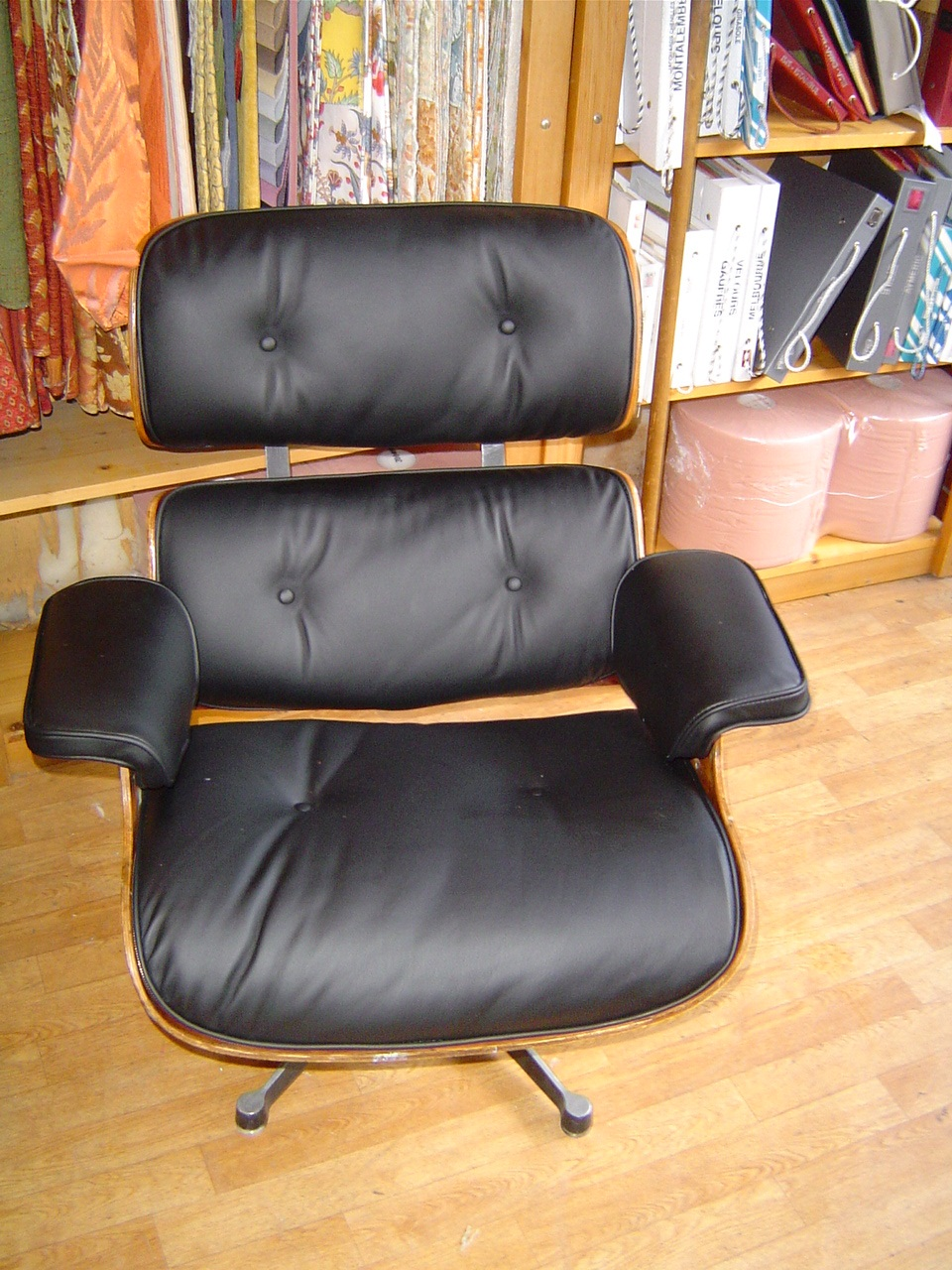 Etablissement fortun p re et fils sellerie fortun fauteuil charles - Fauteuil charles eames occasion ...
