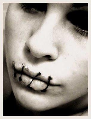 http://2.bp.blogspot.com/_MmoMk5sfdO0/SONKMIsETJI/AAAAAAAADI8/Y86dLIBueeI/s400/Silencio.jpg