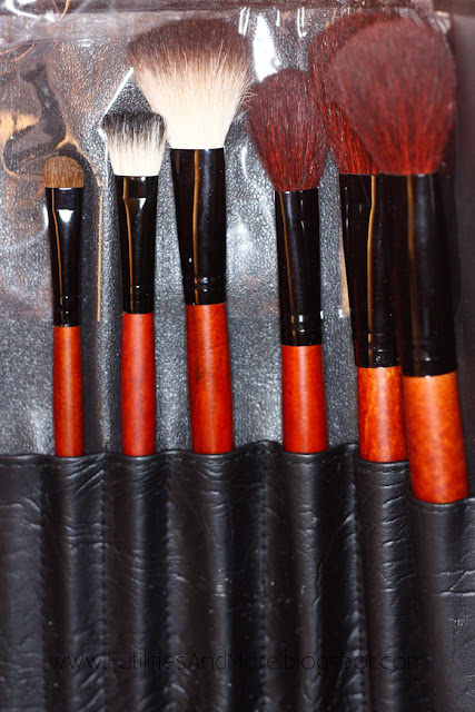 31 pcs brushes kit, make up brushes set, make up brushes kit, beauty factory, futilitiesandmore.blogspot.com, futilities and more, make up for asian, futilitiesandmore