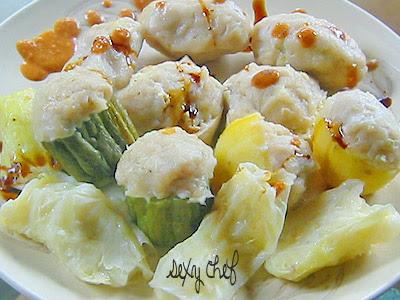 Jika ingin membuatnya anda bisa lihat resepnya di sini resep batagor ikan tenggiri pangsit khas bandung enak praktis. Sexy Chef Siomay Bandung