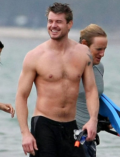 Hollywood most Handsome Hero Eric Dane relaxing in beach !
