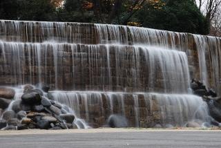 新宿ナイアガラの滝の写真
