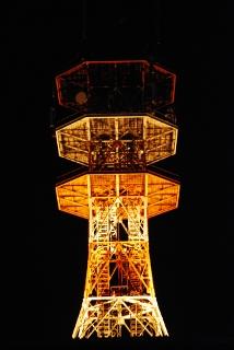 NTTの電波塔の写真