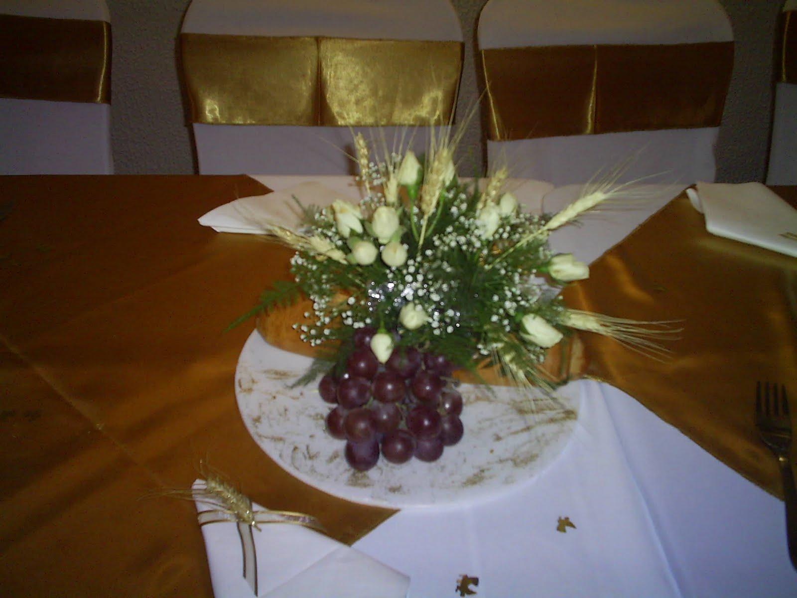 Arreglos florales para primera comunion con espigas y uvas - Arreglos de mesa ...