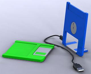 IL VECCHIO FLOPPY TRASFORMATO IN VERSIONE USB?