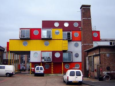 architettura bizzarra creativa