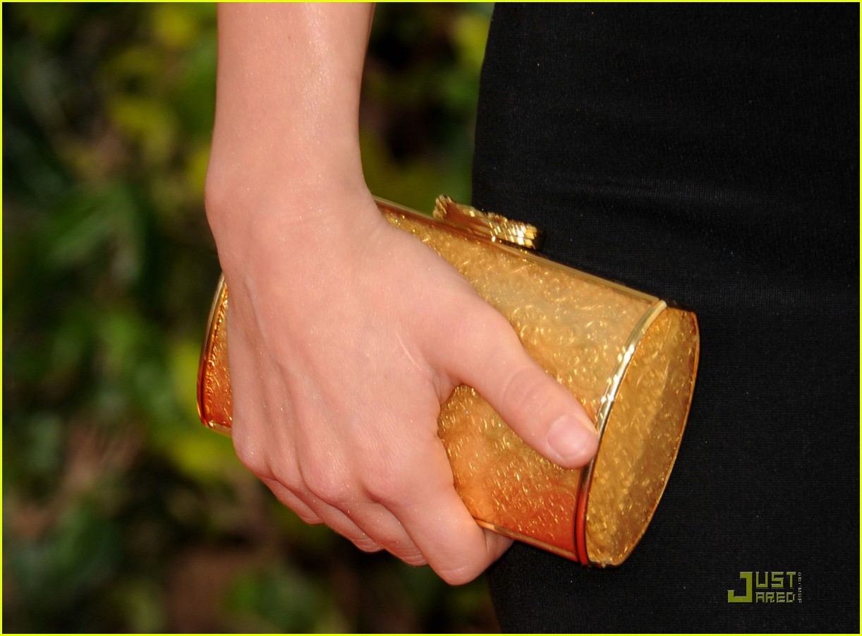 http://2.bp.blogspot.com/_MtguECJyeik/TTbEgkera1I/AAAAAAAABU0/QYXv3EJuXLs/s1600/julianne-hough-golden-globes-13.jpg