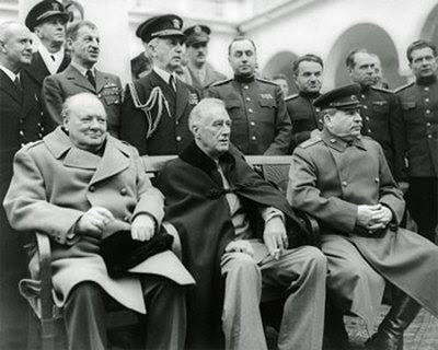 http://2.bp.blogspot.com/_Mu5B2HMo5yg/Ss-Bi6Kp9sI/AAAAAAAAAFM/ZTICpO_cr9U/s400/Winston-Churchill-Franklin-D-Roosevelt-and-Joseph-Stalin-at-Yalta-in-1945-Photograph-C12281794.jpg