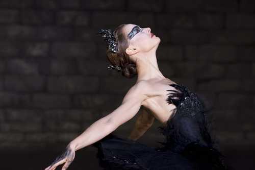 natalie portman black swan fashion