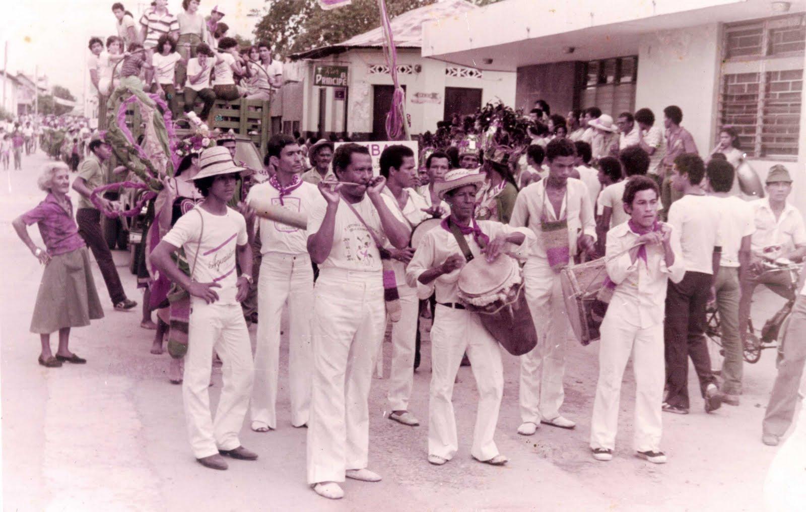 [Desfile+Pocabuyano+años+76.jpg]