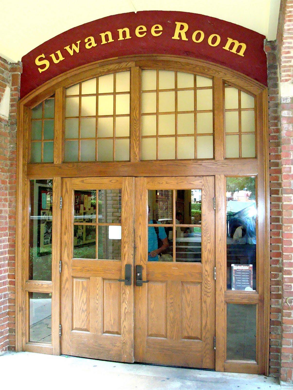 suwannee women 17-43cf (suwannee county sheriff's office) prob in jail booking no: scso18jbn000773 mnino: scso18mni002744.