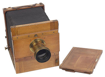 pinhole camera inventor