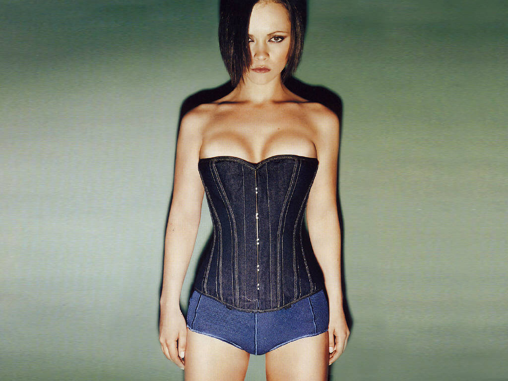 http://2.bp.blogspot.com/_MzLGDZ9MDxA/TN7hh3CuicI/AAAAAAAAAaQ/mduqtHSYNH8/s1600/Christina-Ricci-7.jpg