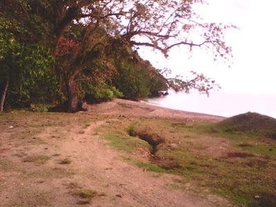 pantai desa sindue