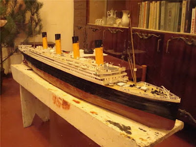 Titanic unsinkable ship essay @ Moi et Toi Weddings : Titanic Film ...