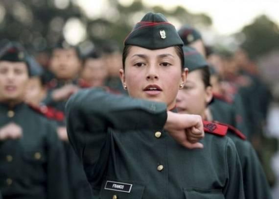 Những nữ cảnh sát dũng cảm xinh đẹp của các nước World%27s+Most+Bravest+Uniformed+Ladies+10