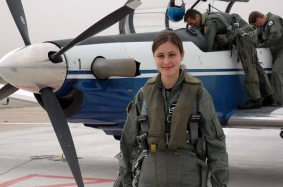 Những nữ cảnh sát dũng cảm xinh đẹp của các nước World%27s+Most+Bravest+Uniformed+Ladies+11