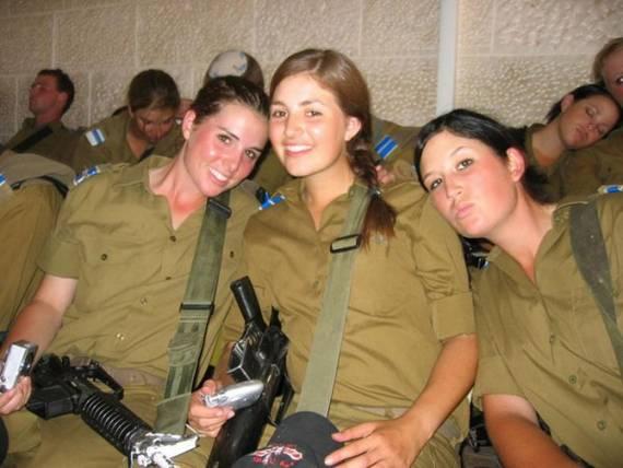 Những nữ cảnh sát dũng cảm xinh đẹp của các nước World%27s+Most+Bravest+Uniformed+Ladies+21