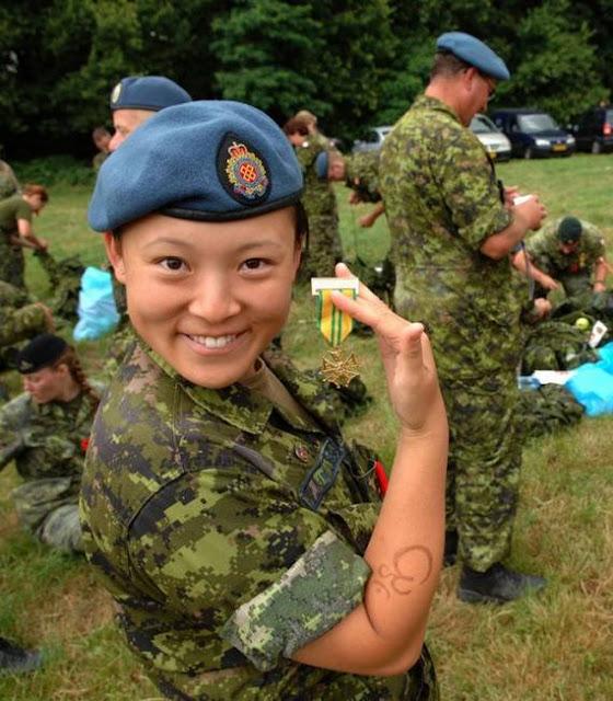 Những nữ cảnh sát dũng cảm xinh đẹp của các nước World%27s+Most+Bravest+Uniformed+Ladies+17