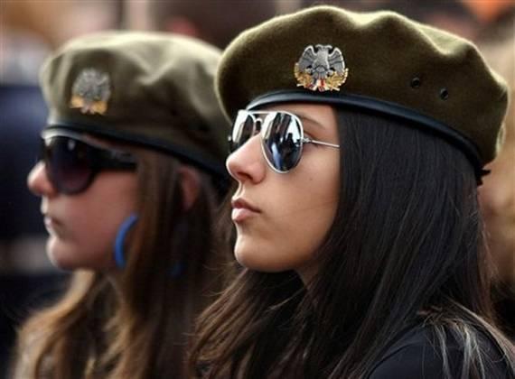 Những nữ cảnh sát dũng cảm xinh đẹp của các nước World%27s+Most+Bravest+Uniformed+Ladies+25