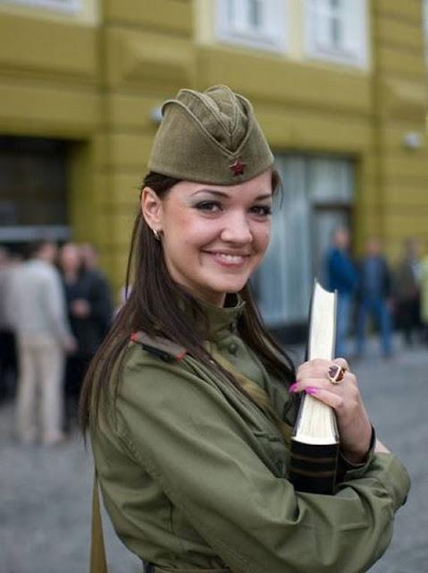 Những nữ cảnh sát dũng cảm xinh đẹp của các nước World%27s+Most+Bravest+Uniformed+Ladies+37