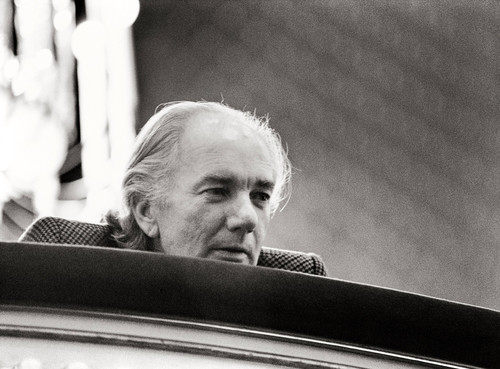 Thomas Bernhard bei den Proben zu Heldenplatz Burgtheater, 1988. &#169; IMAGNO/Harry Weber