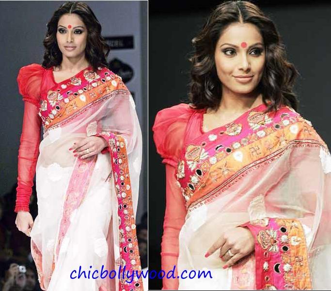 Bipasha Basu Kolkata Fashion Week Mona Pali