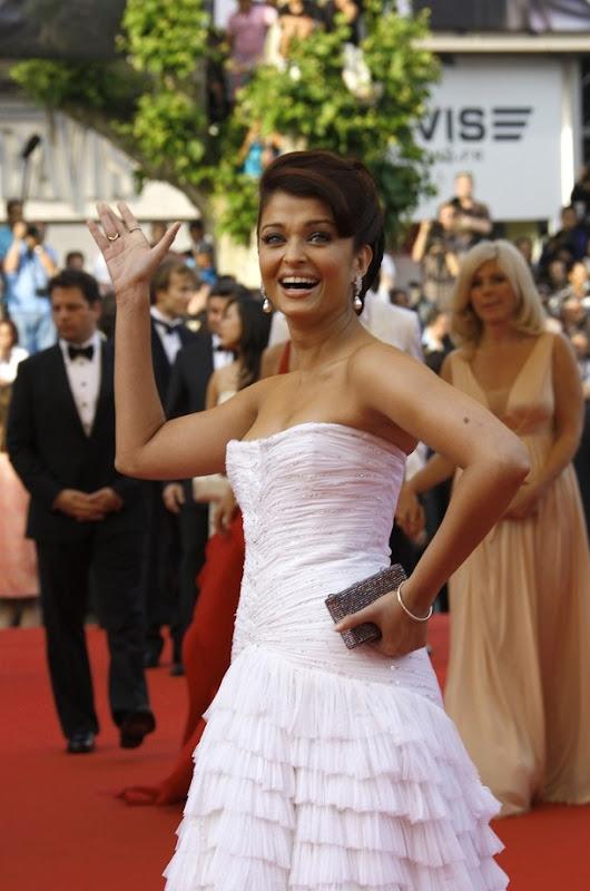 Aishwarya Rai Bachchan 09 Cannes Film Festival Abhishek Bachchan