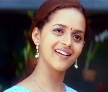 Cute Face sexy Bhavana