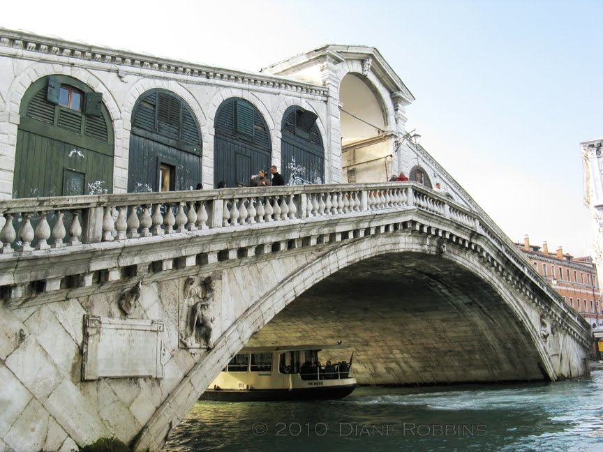 Travel Snippets and More: Rialto Bridge, Venice, Italy
