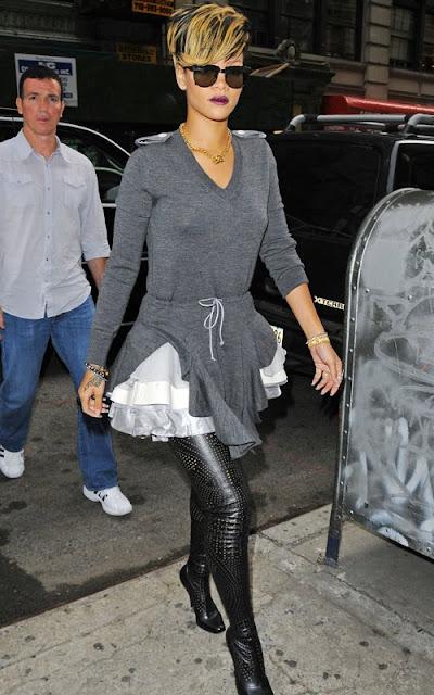 Rihanna-Stella Boots-fashionablyfly.blogspot.com
