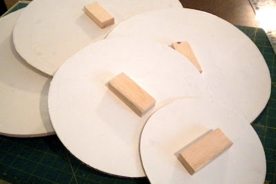 how to make a cupcake stand out of cardboard