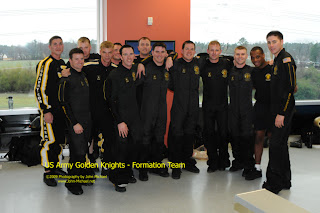 GK Formation Team The US Army     Golden Knights     Elite Ambassadors from the Sky...