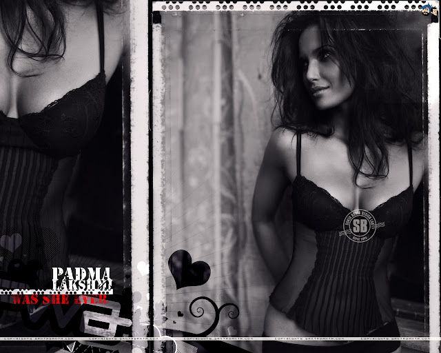 Padma Lakshmi Hot & Sexy Wallpapers