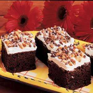Caramel Fudge Chocolate Cake