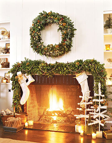 Inspire bohemia fireplace mantle decor for the holidays for Christmas garland on fireplace