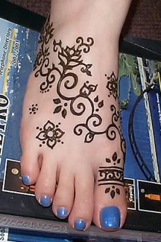 Best henna tattoos design on sexy foot 01