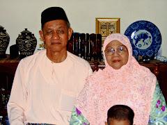 Ayahanda & Allahyarhamah Bonda Tercinta