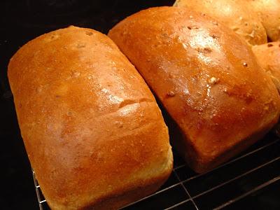 The Sisters Dish: Multi-Grain Granola Bread